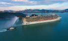 厦门邮轮母港首迎13.8万吨地中海辉煌号