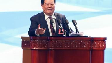 """曹德旺:企业家要德配其位,媒体不要再用""""老赖""""这个词"""