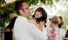 """""""世界最小新娘""""与爱人完成梦中婚礼"""